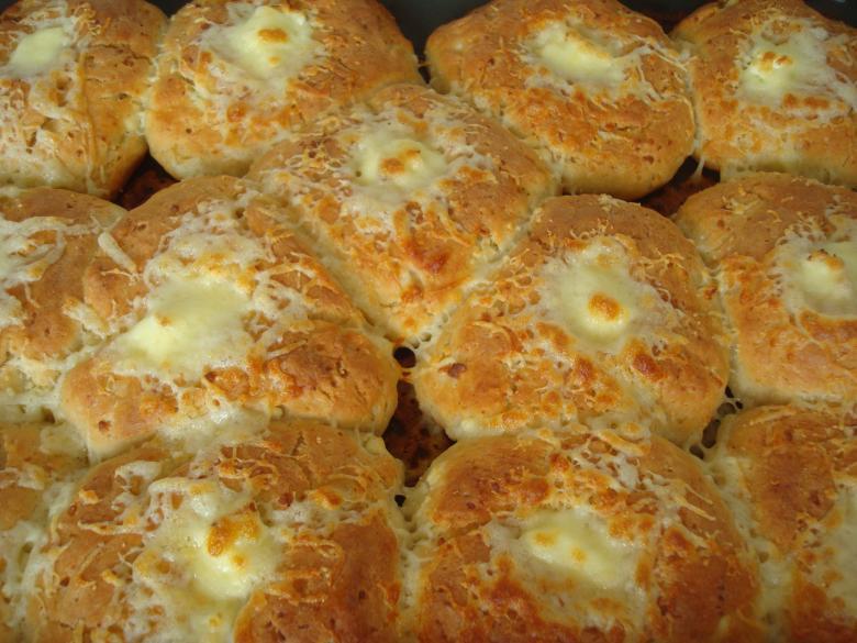 Addicting Domino's Cheesy Bread Copycat Recipe