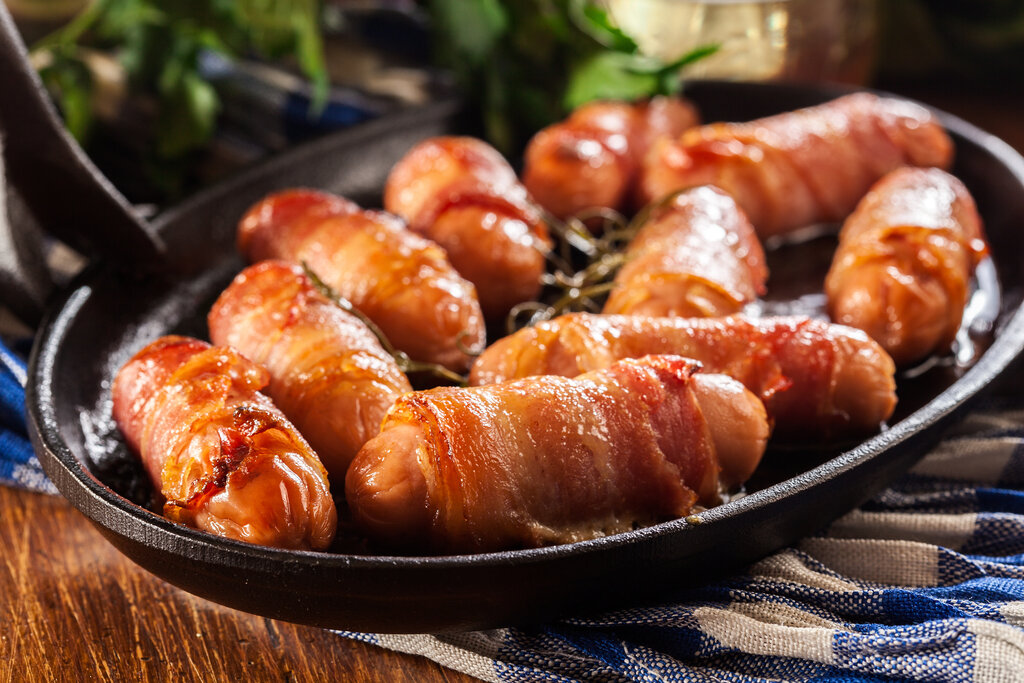 Bacon-Wrapped Sausage Links Recipe, small sausages wrapped with bacon slices