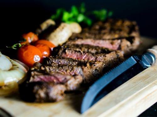 Blackened Rib Eye Steak With Creamy Horseradish Sauce