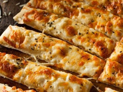 Cheesy Breadsticks Recipe (Toppers Pizza Copycat), easy and quick cheesy garlic bread with marinara sauce