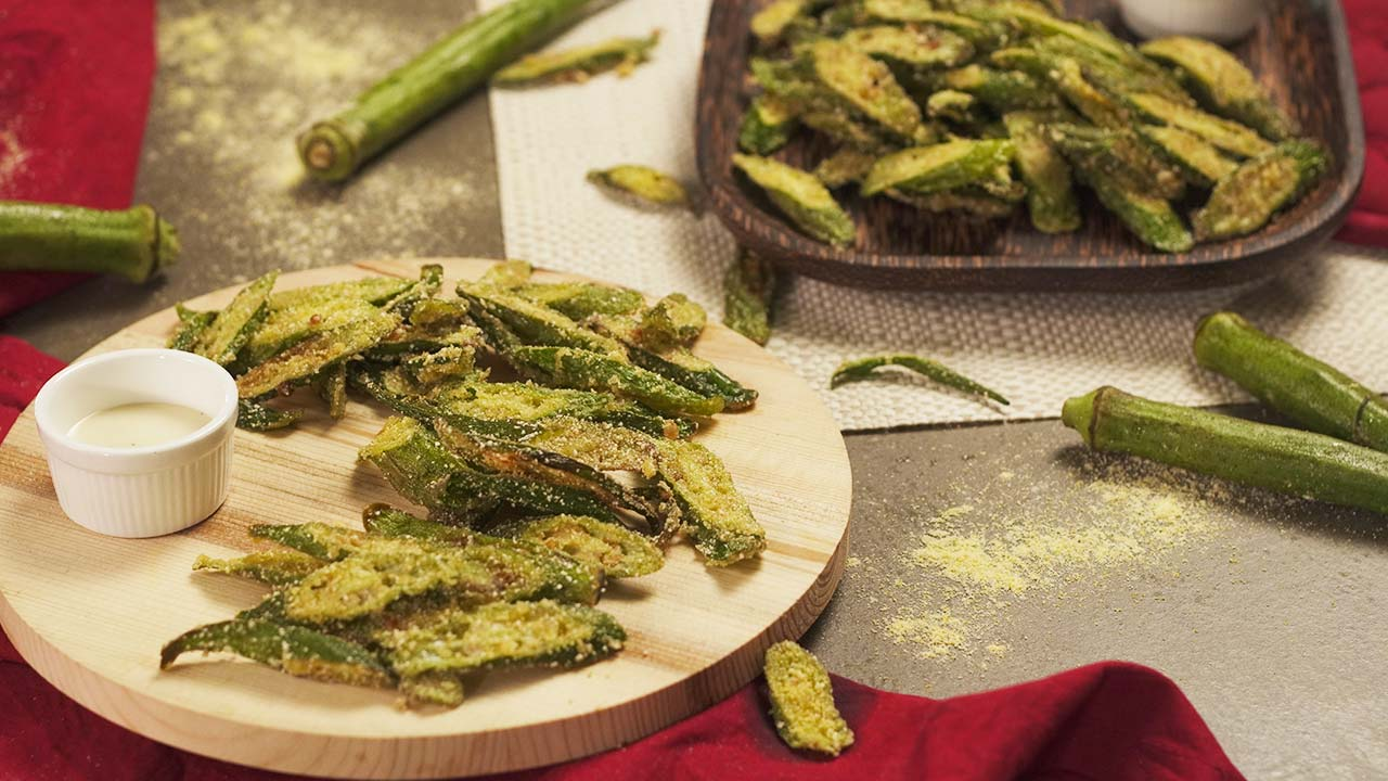 Copycat-Cracker-Barrel's-Breaded-Okra, a curnchy and non-slimy fried okra snack that you can also serve as an appetizer