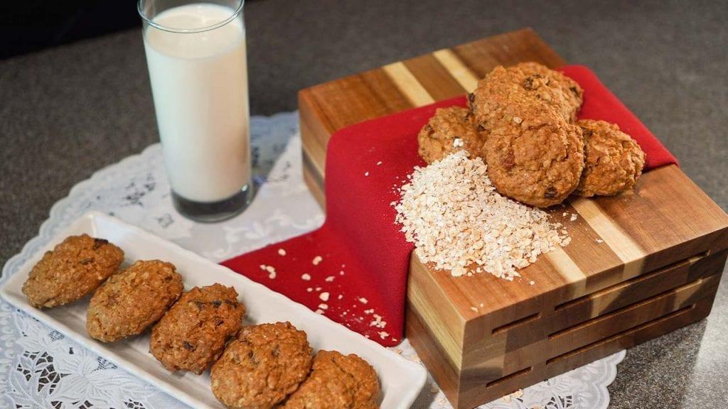 Debra's Special Oatmeal Raisin Cookies From Mrs. Fields Recipe