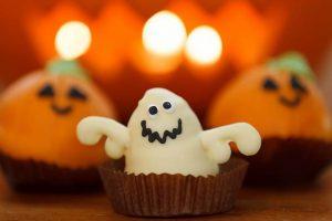 Halloween Crispy Marshmallow Ghosts Recipe
