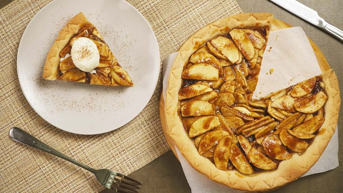 Open Face Apple Pie Recipe, baked rustic apple pie filling over firm crust