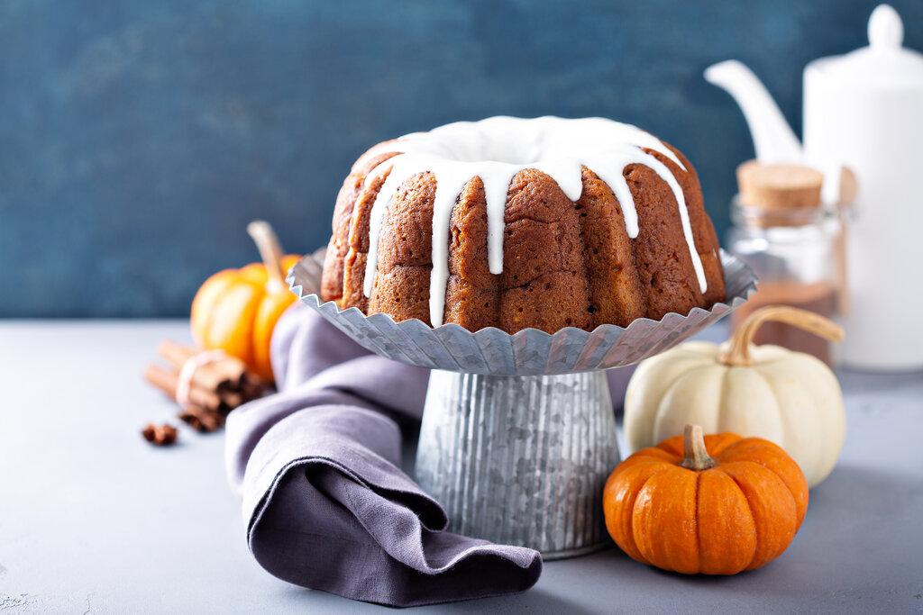Pumpkin Pound Cake with Cream Cheese Icing Recipe, pumpkin dessert recipes with cream cheese frosting