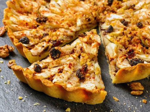 apple tart pie with nuts and raisins