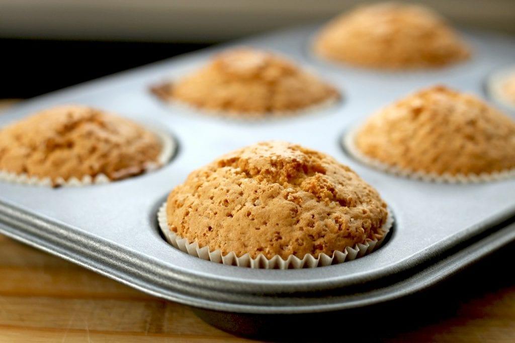 delicious apple-cinnamon muffins