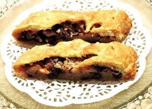 Apple with Raisins Pie Recipe