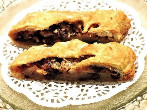 perfect apple pie with raisins