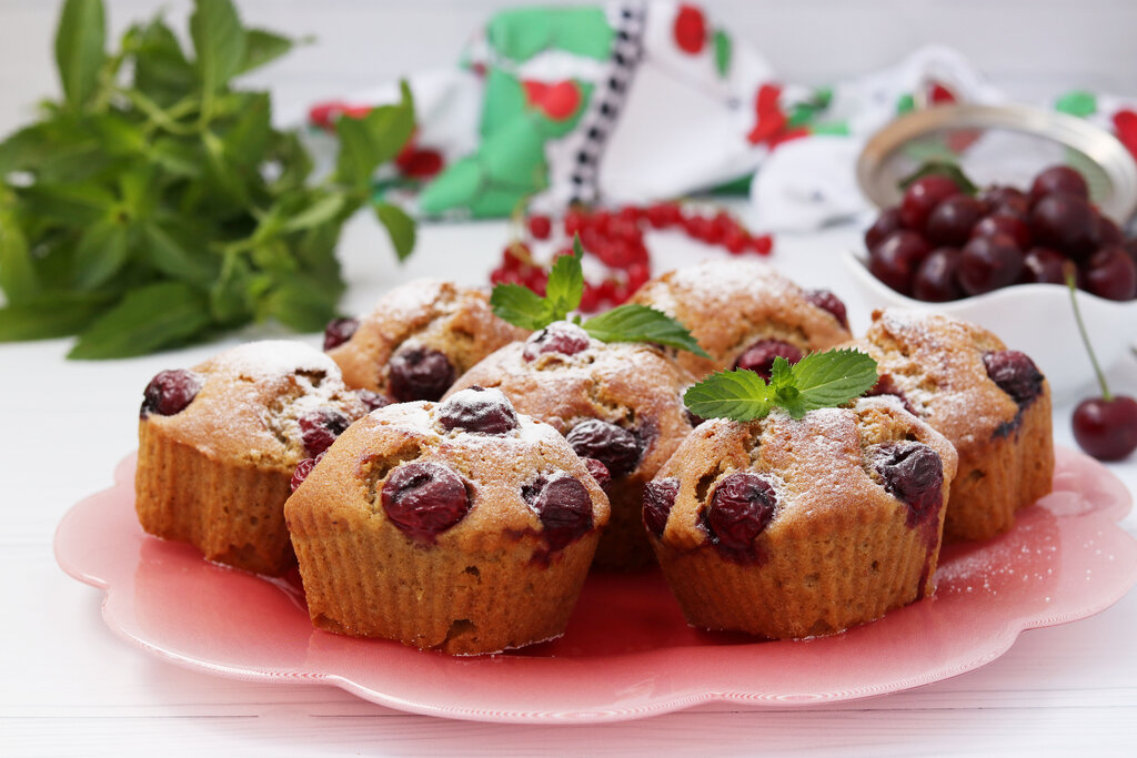 Moist and Flavorful Cake Mix Cherry Muffins Recipe, cherry muffins with frozen cherries
