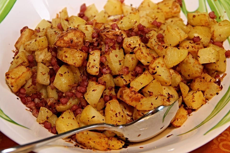 Copycat Bob Evans Canadian Bacon Hash Recipe