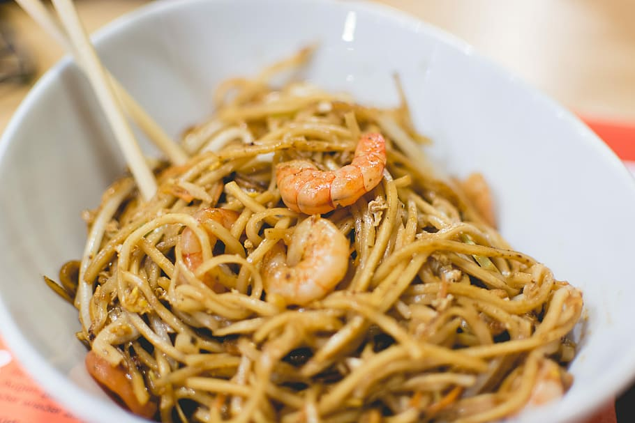 easy-parmesan-buttered-noodles-recipe-sweettreatsmore.commain2