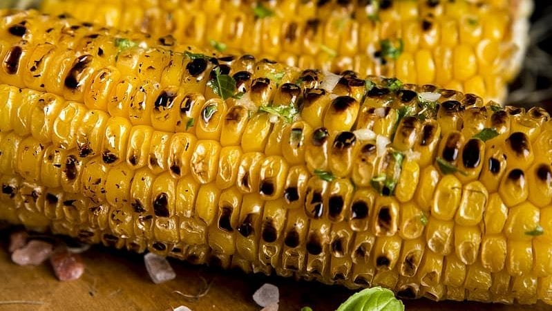 Corn on the Cob with Cheese and Lime Recipe