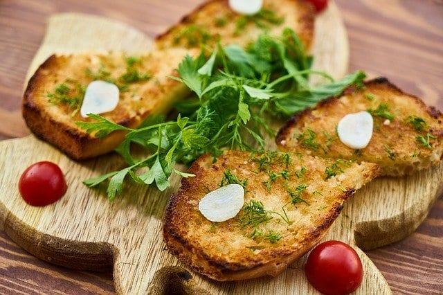 Crockpot Butter Garlic Bread Recipe
