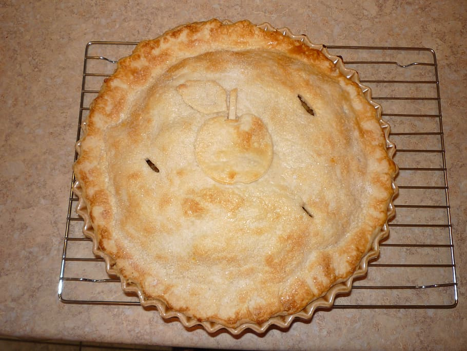 delicious apple pie with cheeddar