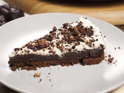 5-Minute Candy Bar Pie Recipe