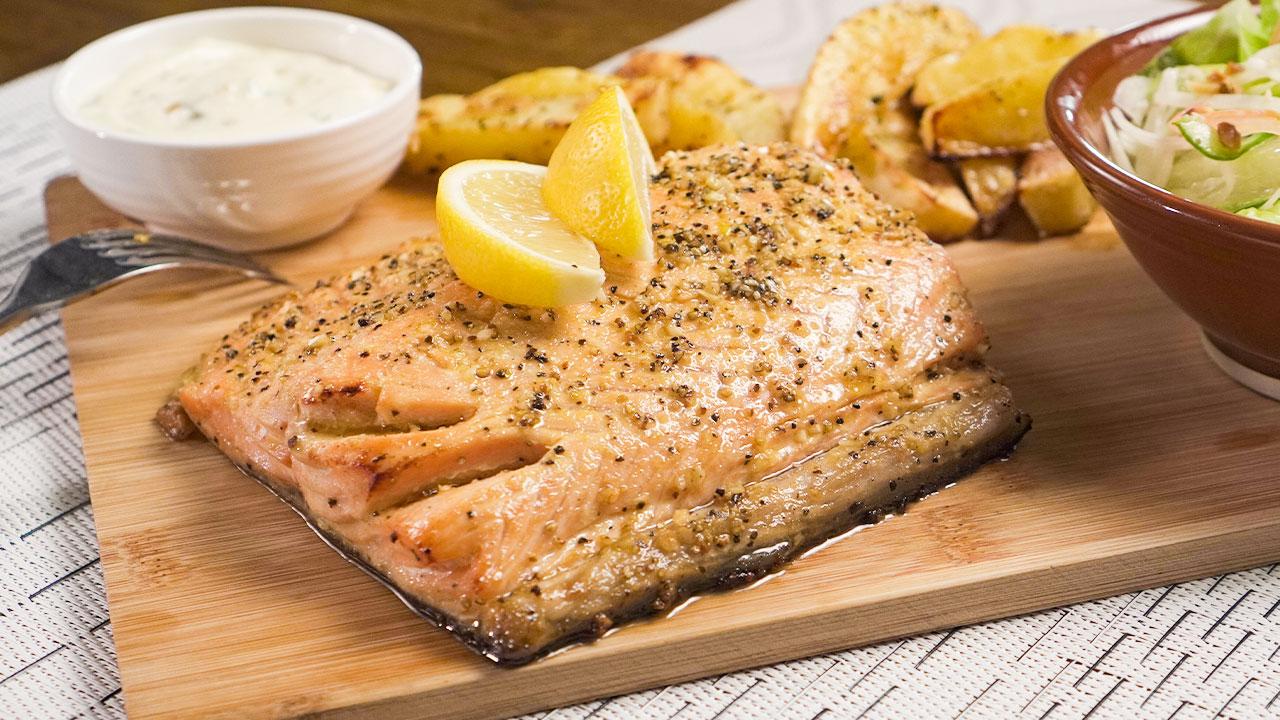 Lemon Pepper Salmon Recipe, baked salmon fillet with garlic, lemon, and olive oil