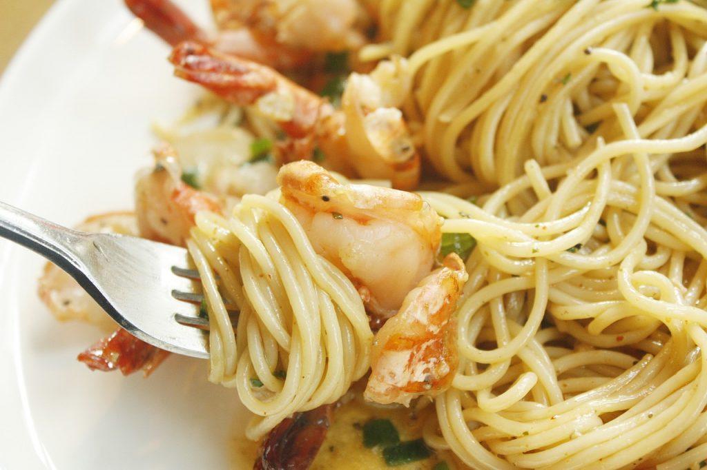 Olive Garden Shrimp Pasta Recipe (Copycat), copycat olive garden creamy alfredo shrimp angel hair pasta with marinated tomatoes