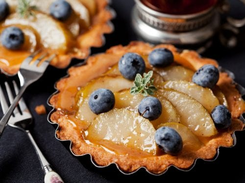 Pear and Bleberry Tart Recipe, how to make a fruit tart, pear and blueberries
