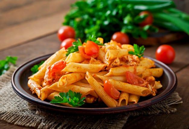 penne pasta with marinara sauce