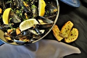 Perfectly Cooked Slow Cooker Mussels Recipe