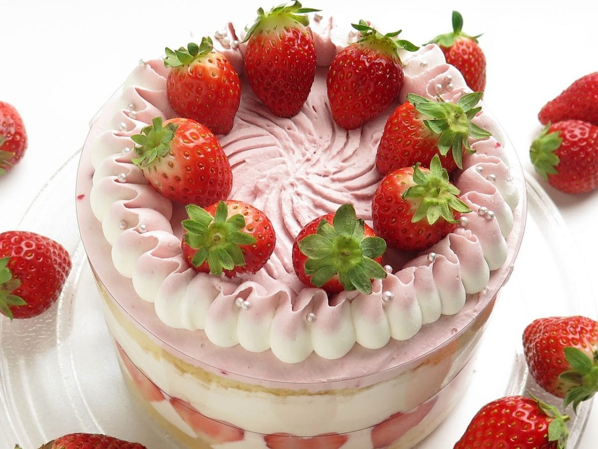 Strawberry Cream Eclair Cake one