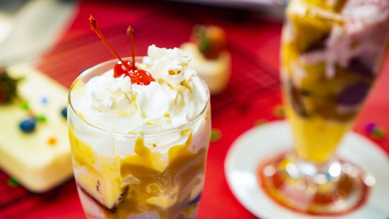 the-best-classic-ice-cream-sundae-recipe
