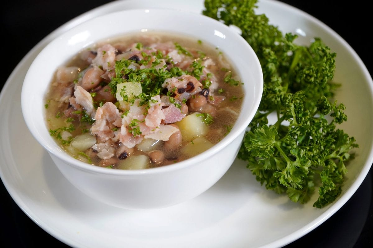 Black-Eyed Peas and Bacon Soup Recipe
