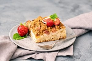 Homemade Pear and Strawberry Fruit Crisp Recipe