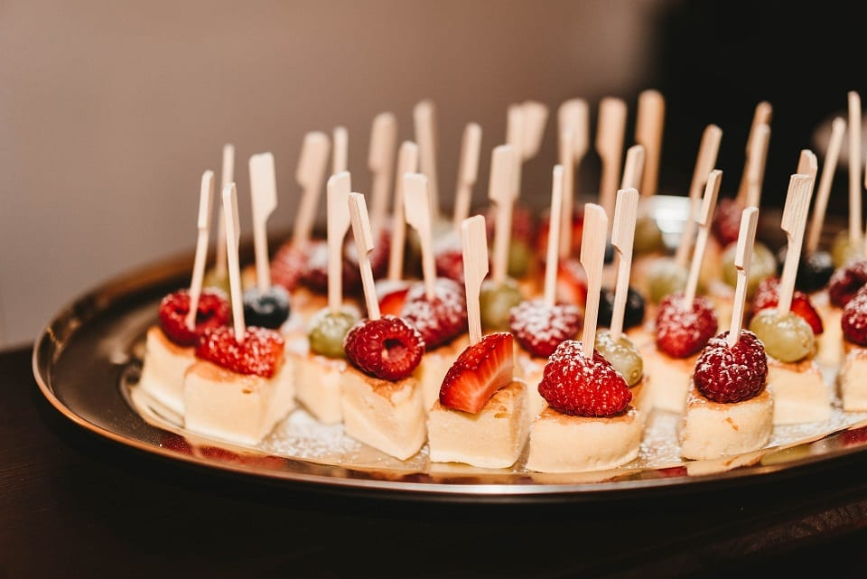 Chocolate Greek Yogurt Cake Bites || Sweet Treats and More