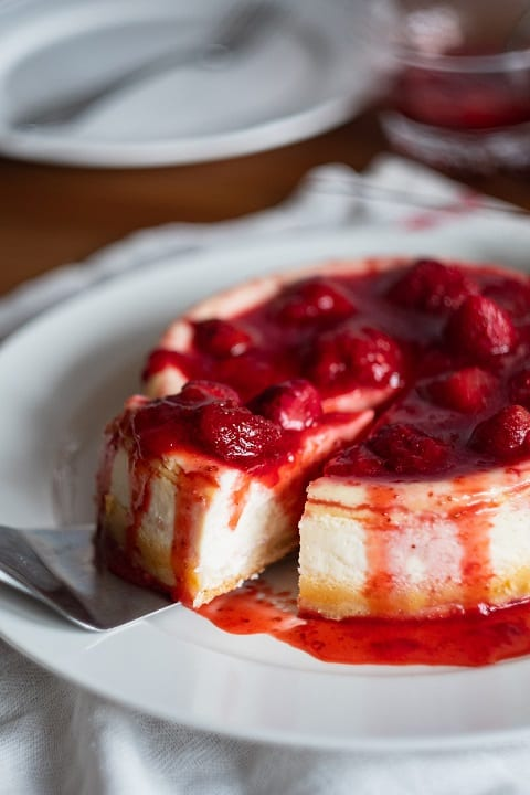 Pudding Rich Strawberry Ring Cake Recipe