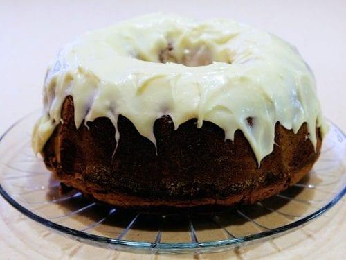 delicious raisin bundt cake
