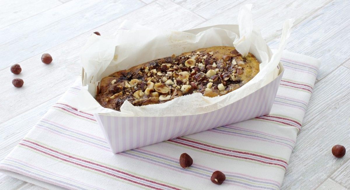 sweet apple nut cake
