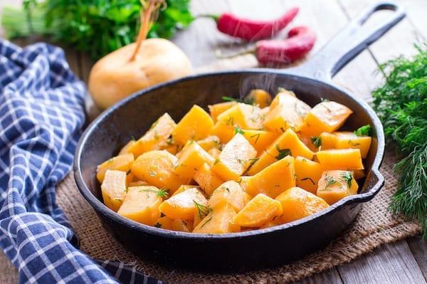 Kohlrabi Chickpea Salad