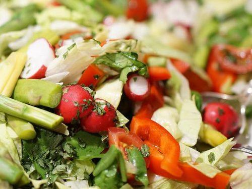 healthy asparagus and tomato salad