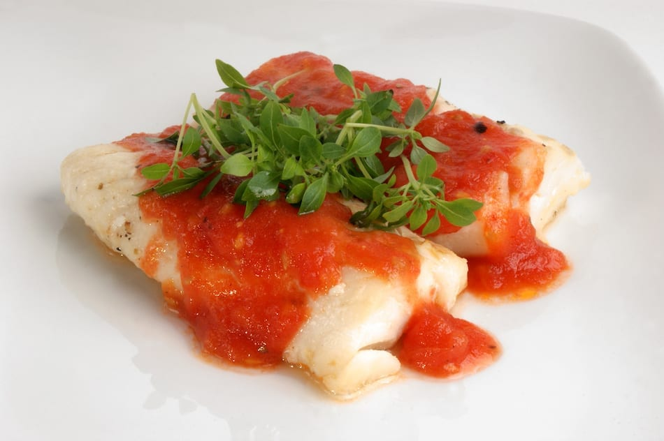baked cod with onions and tomato sauce