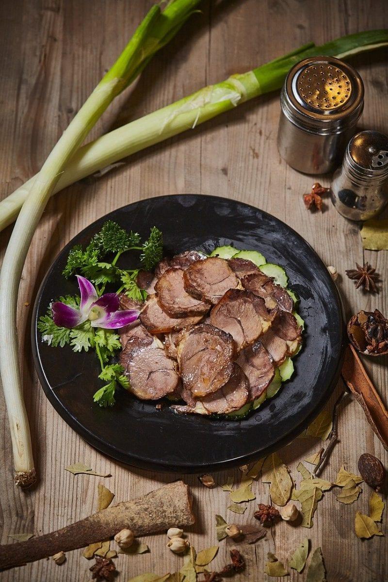 sliced braised pork with vegetables