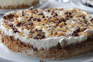 Fluffy Frozen Peanut Butter Pie Recipe