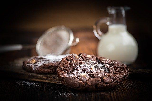 20+ Lightened Up Dessert Recipes - Cookie Dough and Oven Mitt