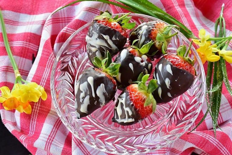 Fudge Dipped Strawberries Recipe