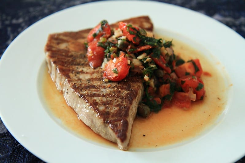 grilled tuna with fresh tomato salsa
