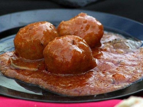 delicious italian spaghetti with meatballs