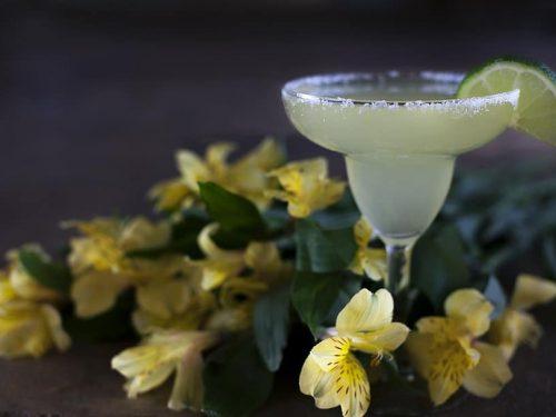 cold key lime pie martini
