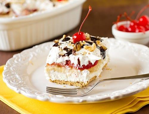 Mouth-Watering Banana Split Cake Recipe