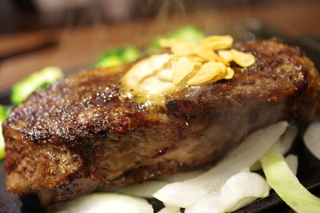 Oven Grilled Sirloin Steak Recipe, easy baked sirloin steak with herbs and spices for a delicious dinner