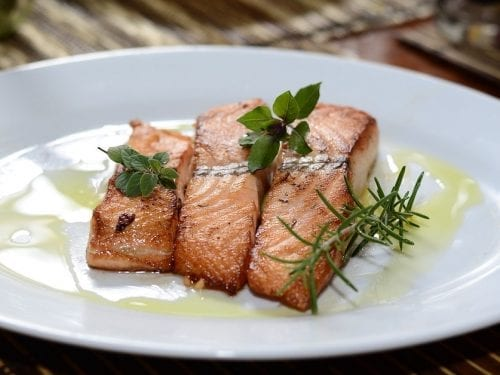 pan-fried salmon fillets with horseradish sauce