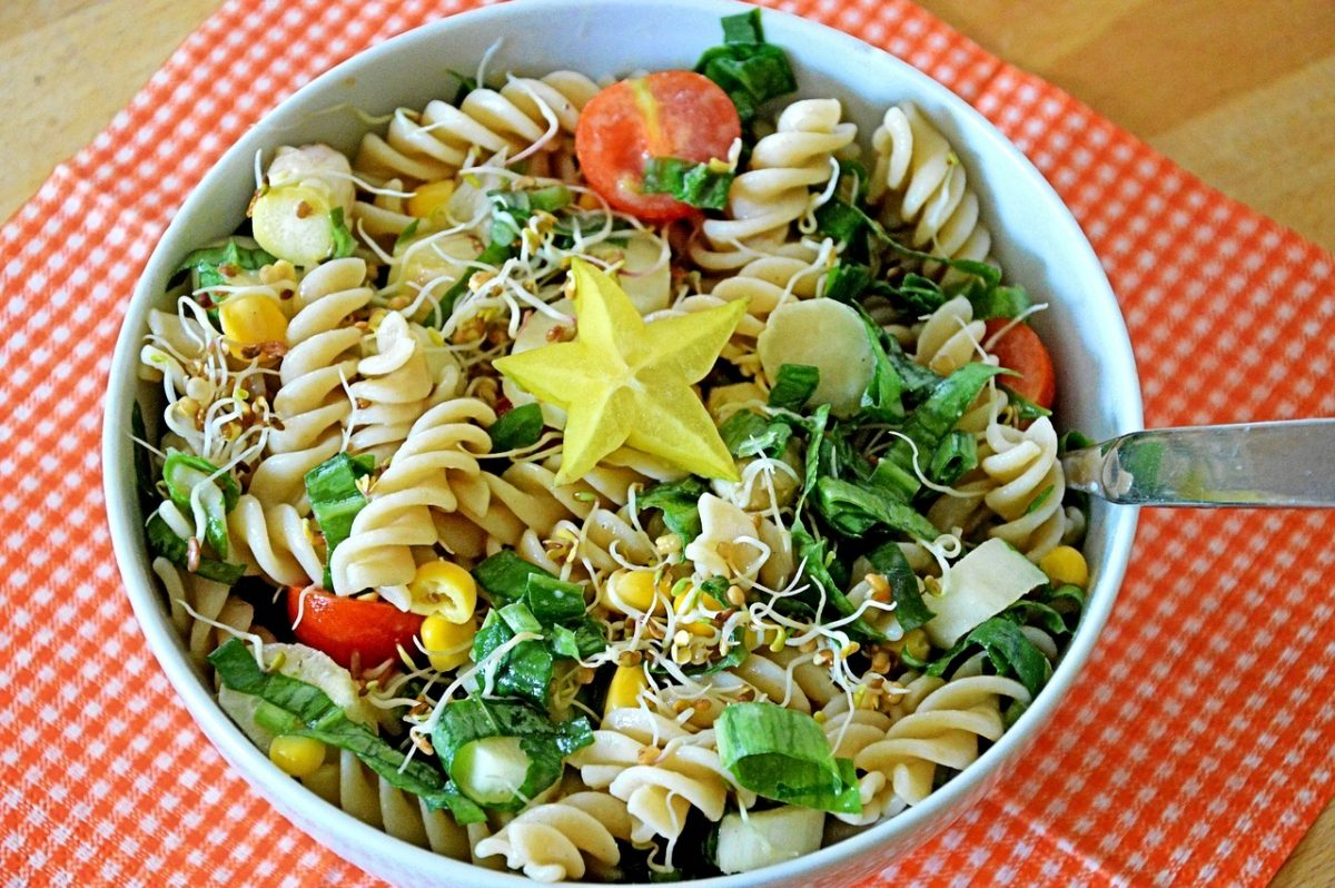 Pesto Chicken BLT Pasta Salad-(7)