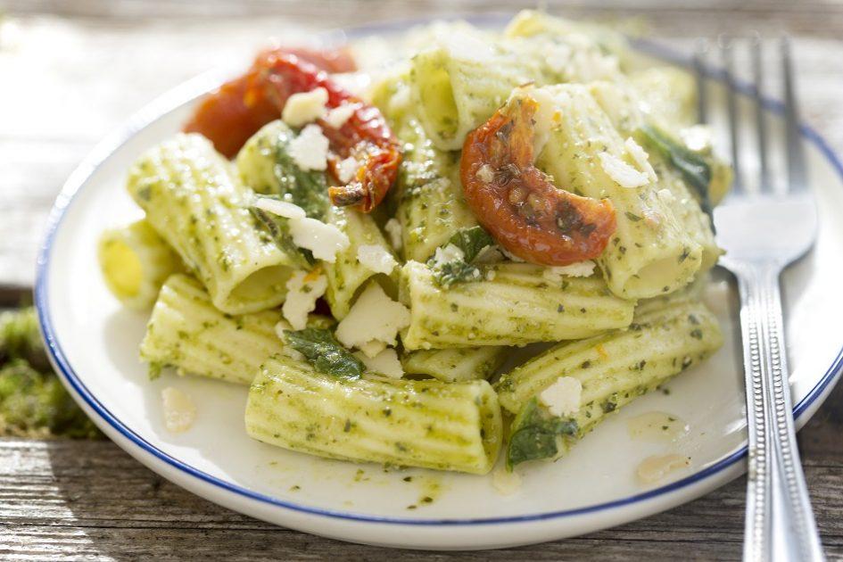 Pesto Pasta with Sun-Dried Tomatoes and Chicken Recipe