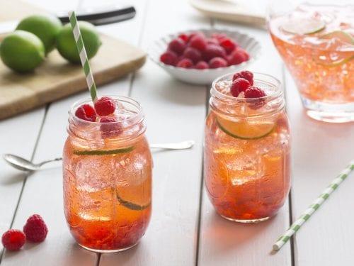 Raspberry-Flavored Iced Tea, homemade flavored iced tea drink