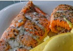 Rosy Red Grilled Salmon with Strawberry Hollandaise Recipe